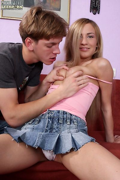 Blonde teen has her pussy..