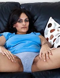 Pretty hairy arab girl riani masturbating - part 1164