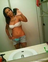 Gallery of an inked and pierced chick camwhoring - part 300